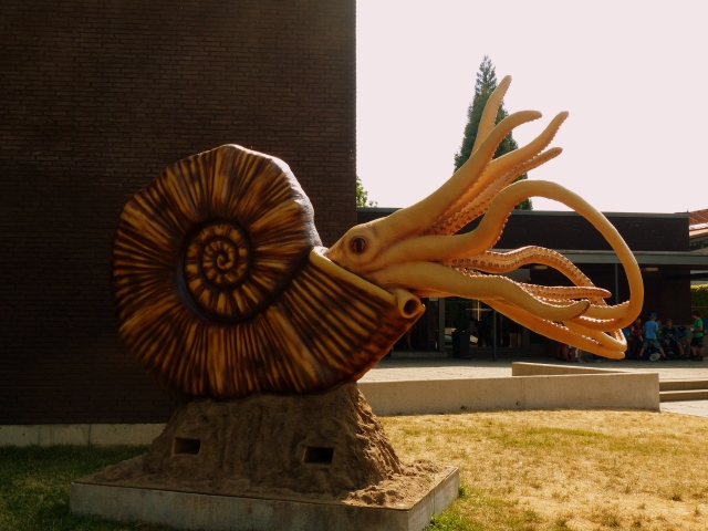 Squid thing sculpture
