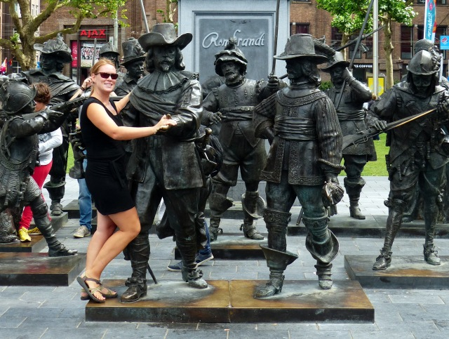 Dancing with statues
